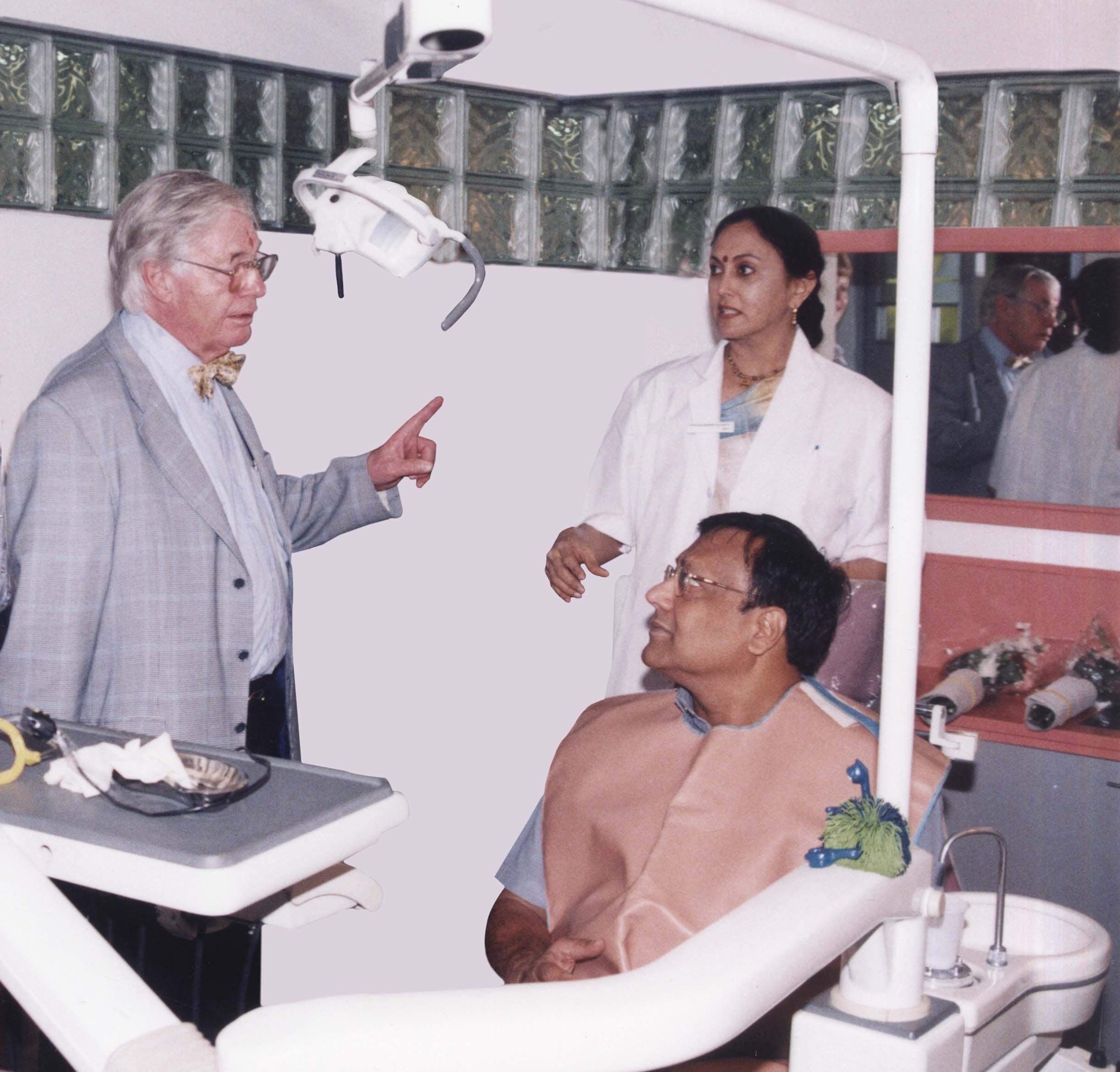 Dr. Per-Ingvar Branemark, the pioneer of implant dentistry, visits Acharya Dental in the year 2002